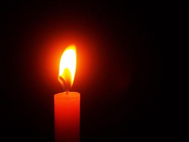 horiaca sviečka.jpg