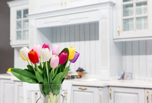 wood-beautiful-custom-kitchen-interior-design_266732-16733